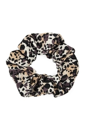 Riah Fashion Leopard-Scrunchies Hair-Tie - Product Mini Image