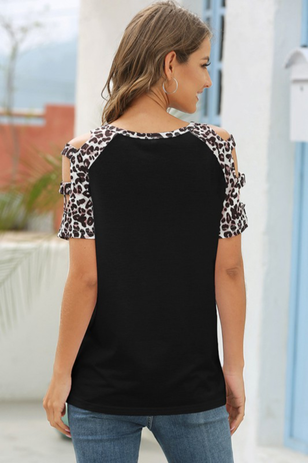 lily clothing Leopard Short Sleeve Top - Side Cropped Image