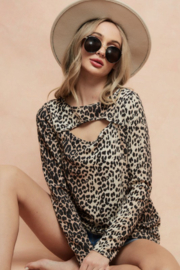 Bibi LEOPARD THERMAL KNIT TOP WITH CUT OUT NECK DETAIL - Front cropped