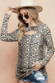 Bibi LEOPARD THERMAL KNIT TOP WITH CUT OUT NECK DETAIL - Front full body