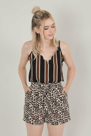 Space46 Leopard Tie-Front Shorts - Front cropped