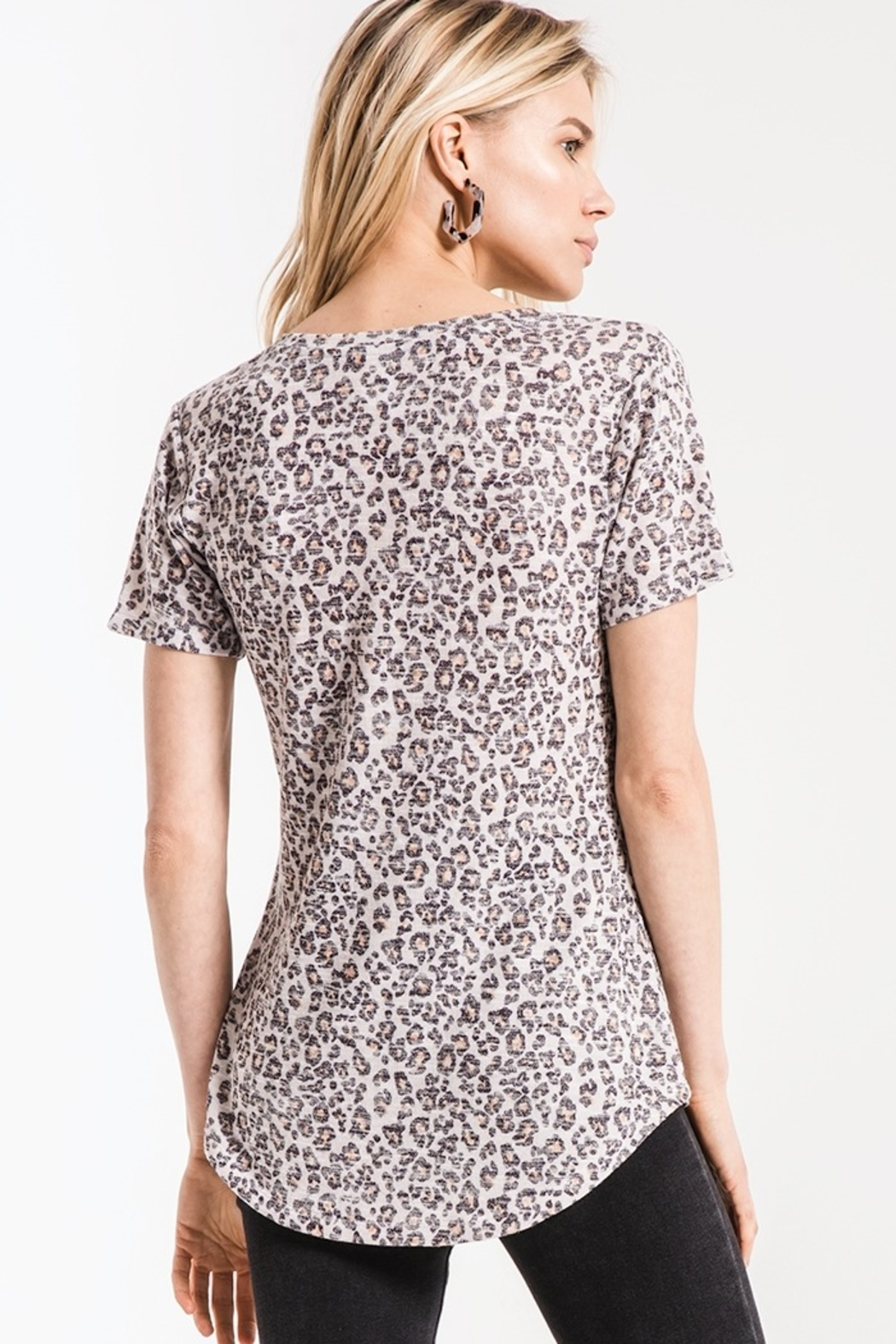 z supply Leopard Vneck Tee - Side Cropped Image