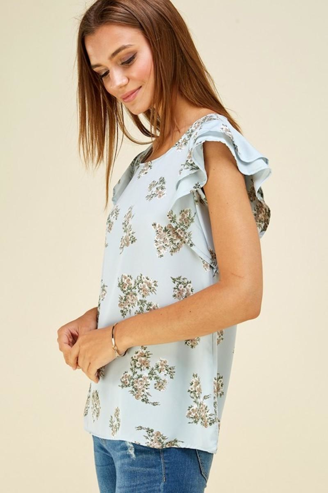 Les Amis Ava's Blue Floral Flutter Top - Side Cropped Image