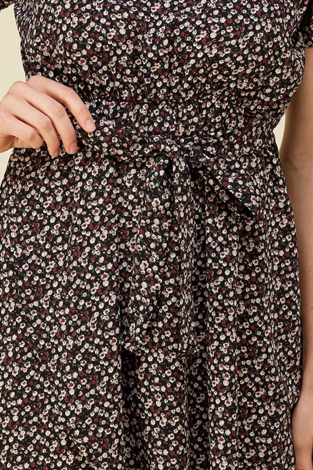 Les Amis Dainty Floral Tie Midi - Back Cropped Image