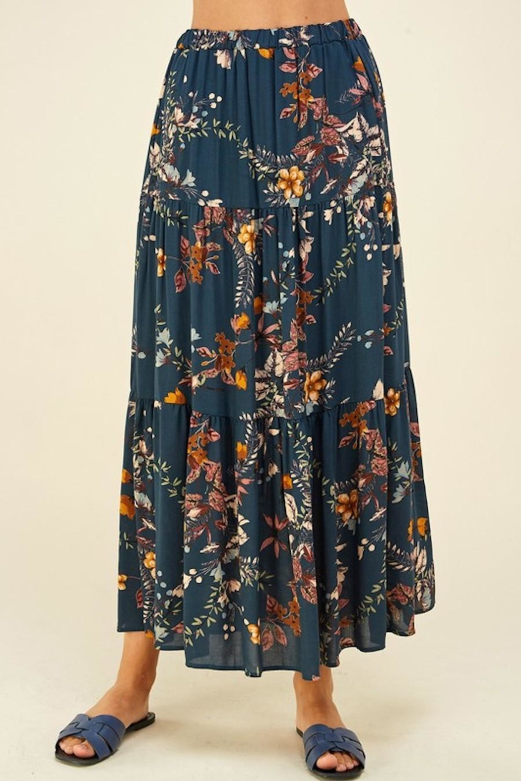 Les Amis Layered Floral Maxi Skirt - Side Cropped Image