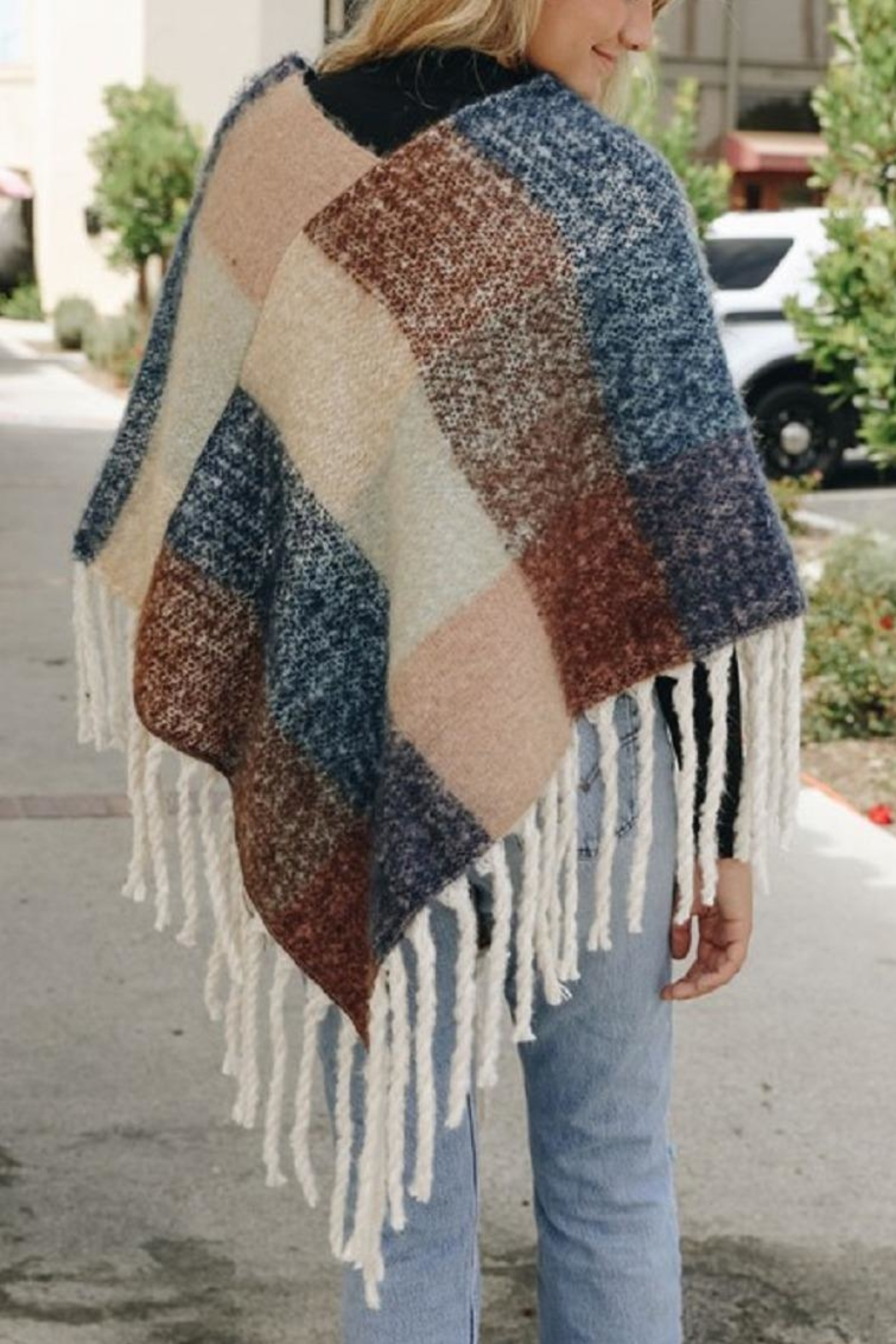 Leto Colorblock Tassel Poncho - Side Cropped Image