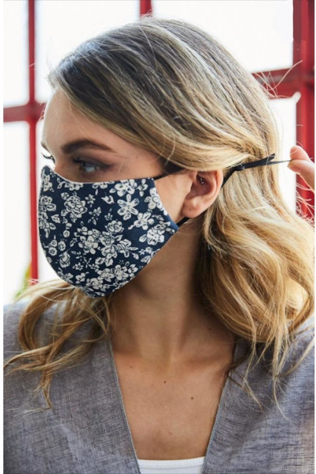 Leto Floral Protective Face-Mask - Side Cropped Image