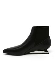 United Nude Lev - Front full body
