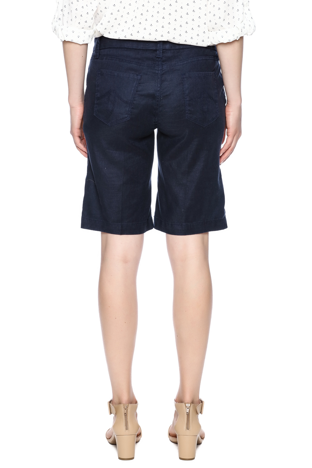 level 99 walking shorts from california by envie shoptiques