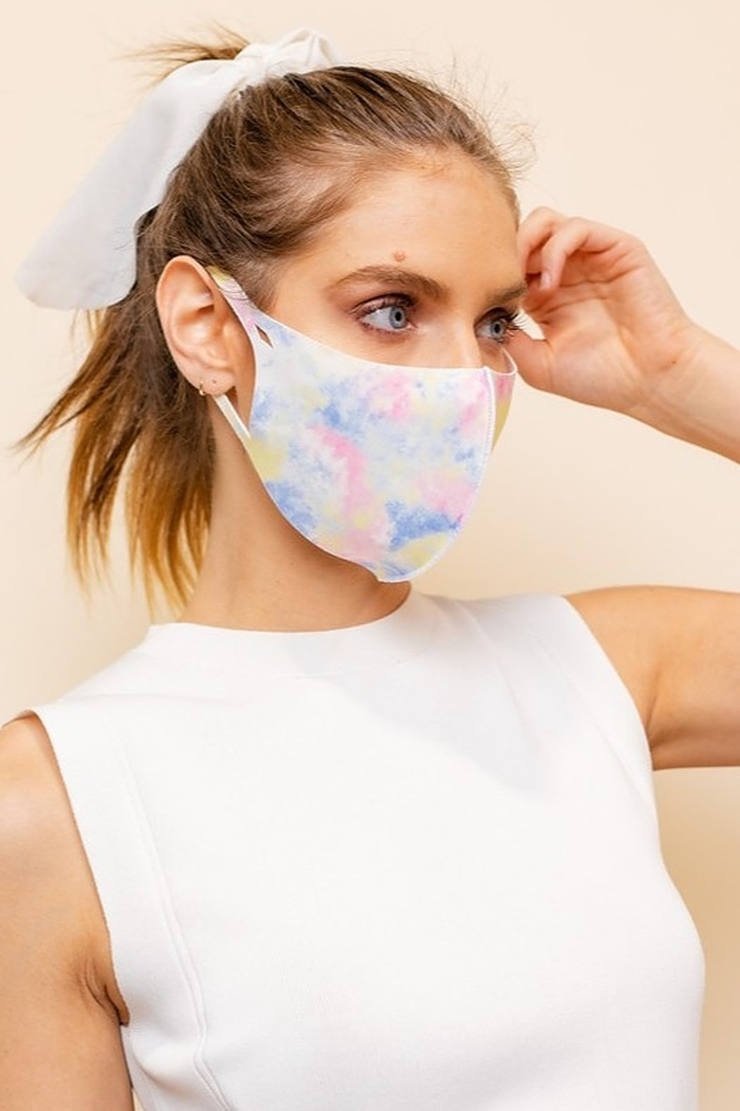 Gilli  Light Tie Dye Face Mask - Front Cropped Image