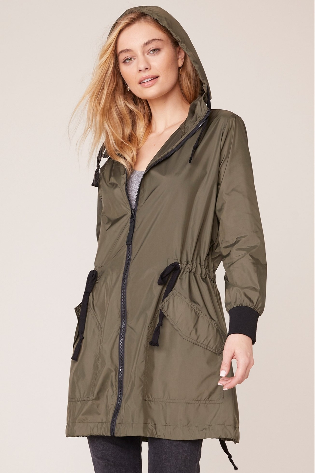 BB Dakota Light Weight Anorak - Front Cropped Image