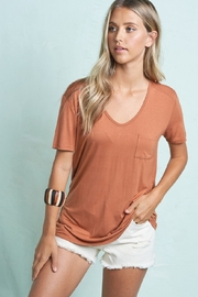 LA MIEL  Lightweight Tee - Front cropped