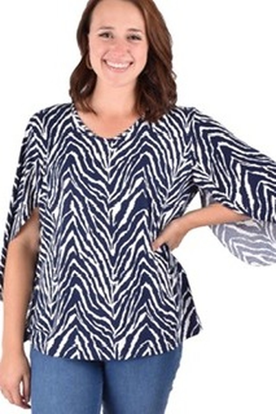 Ethyl Lightweight top with 3/4 sleeve. - Main Image
