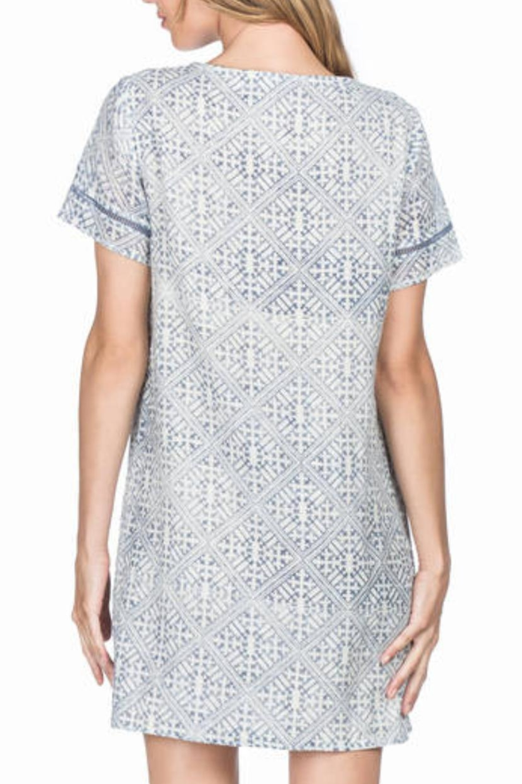 Lilla P Short Sleeve Dress - Side Cropped Image
