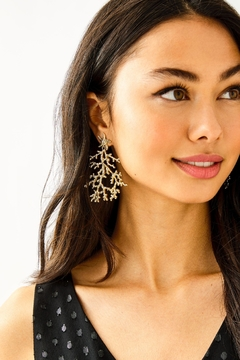Lilly Pulitzer Cora Earrings - Alternate List Image