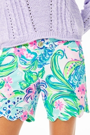 Lilly Pulitzer Darci Knit Short - Side cropped