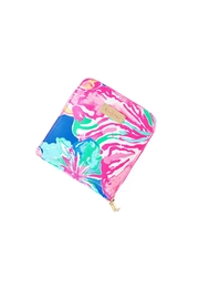 Lilly Pulitzer Getaway Packable Tote - Side cropped