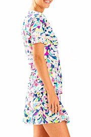 Lilly Pulitzer Kalani Sun Guard Top - Side cropped