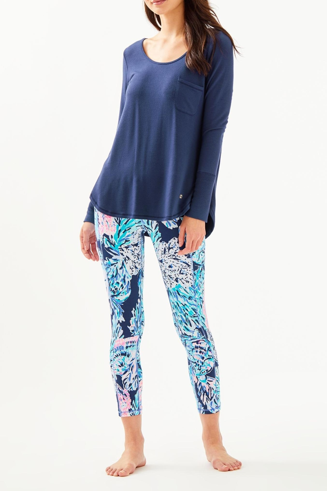 Lilly Pulitzer Luxletic Kerah Tee - Side Cropped Image