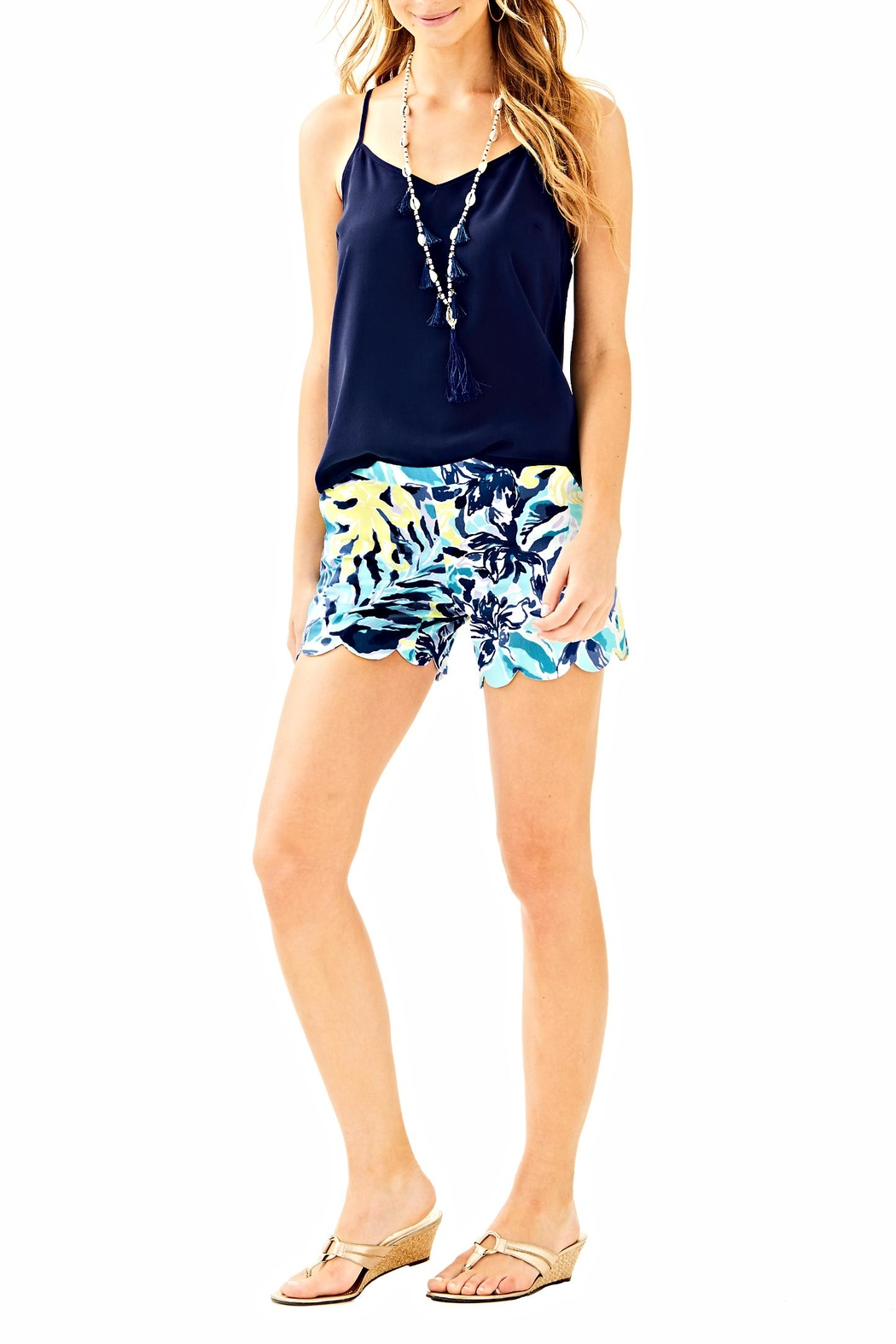 Lilly Pulitzer Magnolia Scallop Short - Side Cropped Image