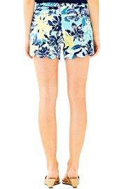 Lilly Pulitzer Magnolia Scallop Short - Front full body