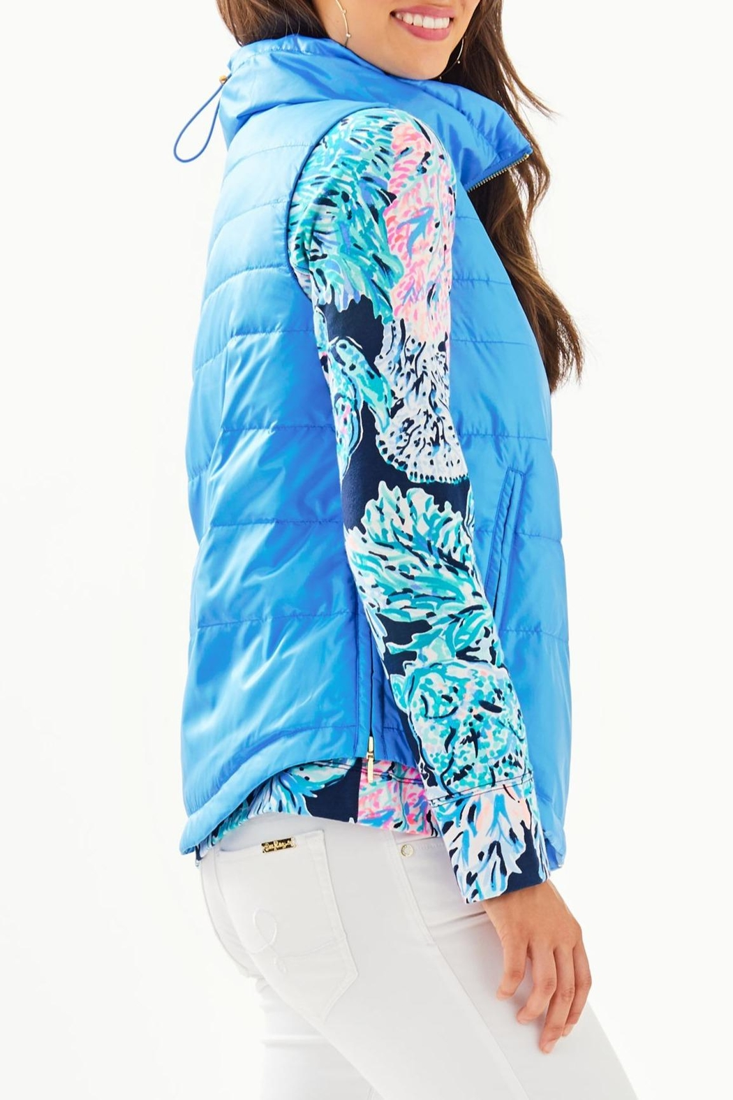 Lilly Pulitzer Palm Paradise Puffer-Vest - Side Cropped Image