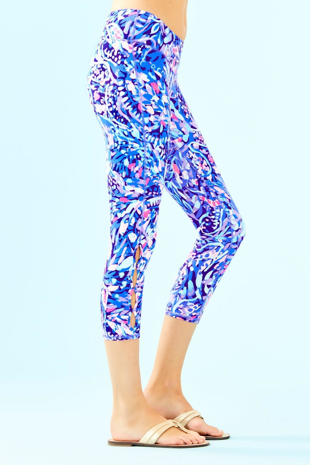 Lilly Pulitzer Weekender Cropped Legging - Side Cropped Image