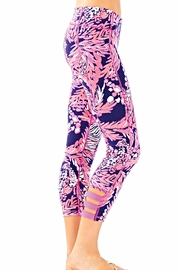 Lilly Pulitzer Weekender Cropped Leggings - Side cropped