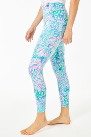 Lilly Pulitzer Weekender Legging - Side cropped