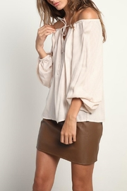 LILYA Samare Top - Front cropped