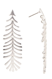 Saachi Linear Earring - Back cropped