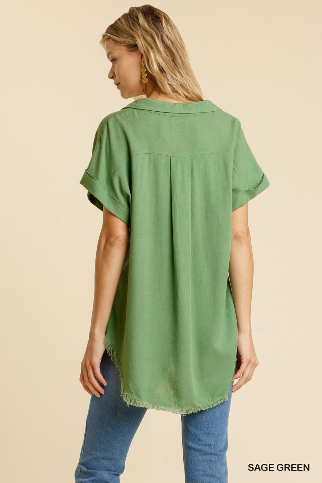 umgee  LINEN BLEND COLLARED BUTTON DOWN SHORT SLV - Side Cropped Image
