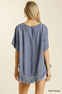 umgee  LINEN BLEND SHORT SLV TOP W/ TASSLE FRINGE - Alternate List Image