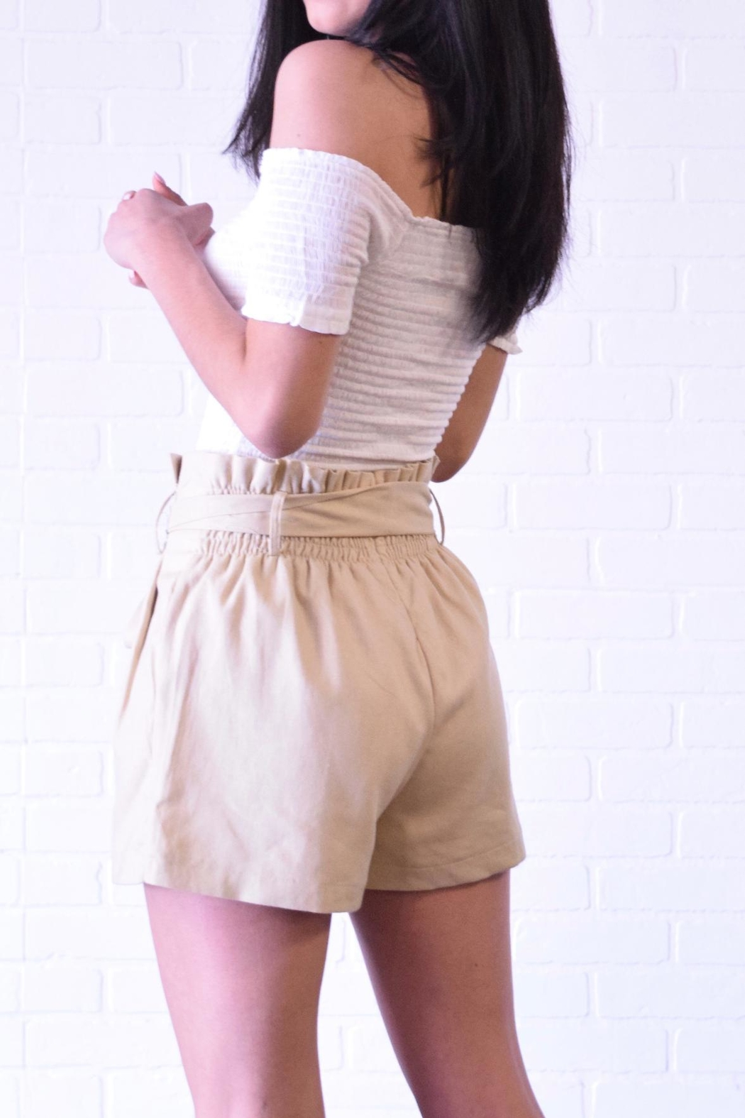 The Sang Linen Paperbag Shorts - Side Cropped Image
