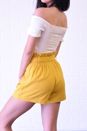 The Sang Linen Paperbag Shorts - Side cropped