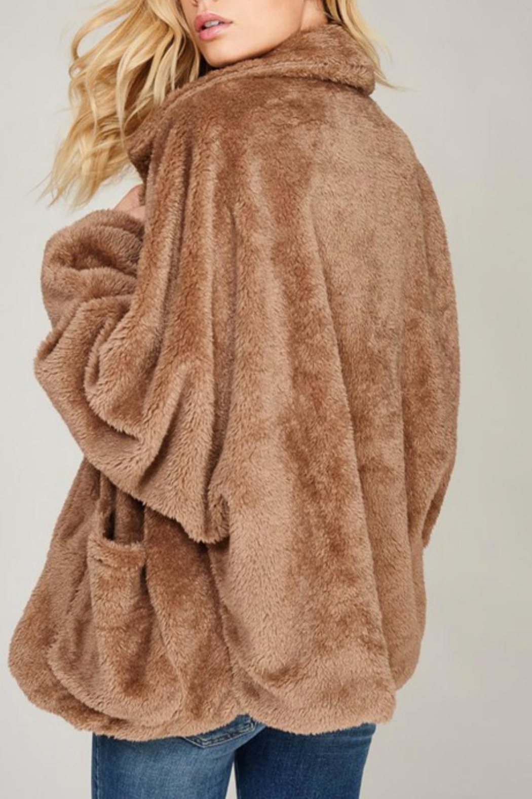 Listicle Faux Fur Jacket - Side Cropped Image