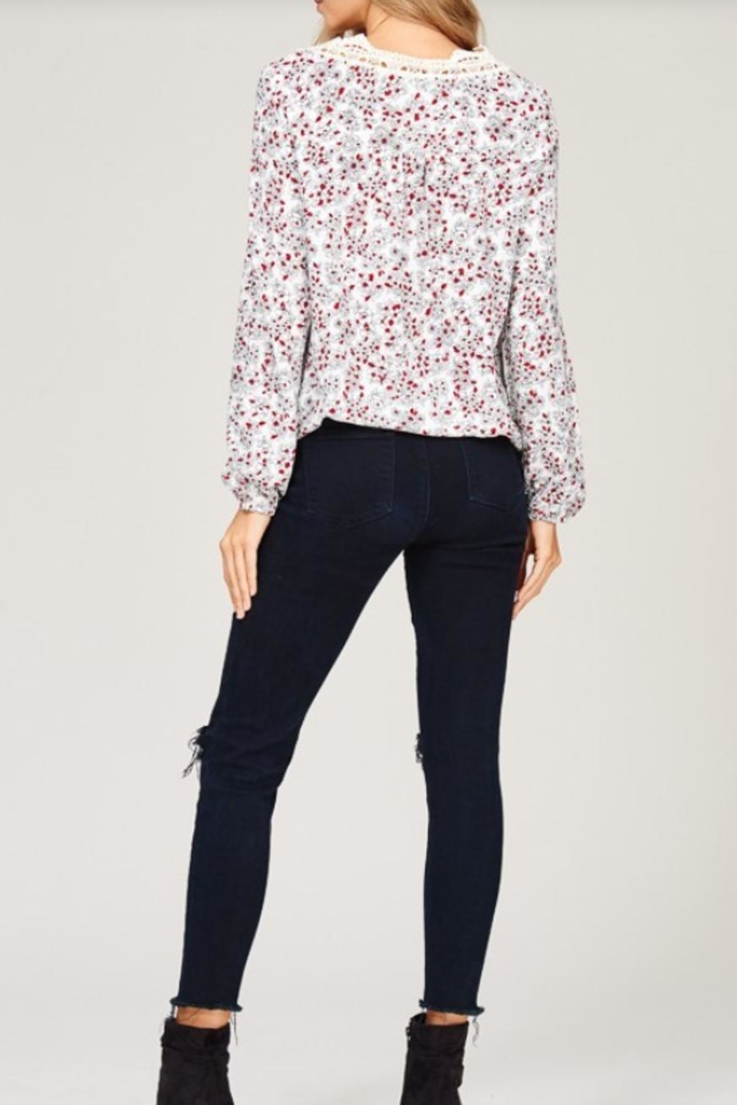Listicle Floral Print Top - Side Cropped Image