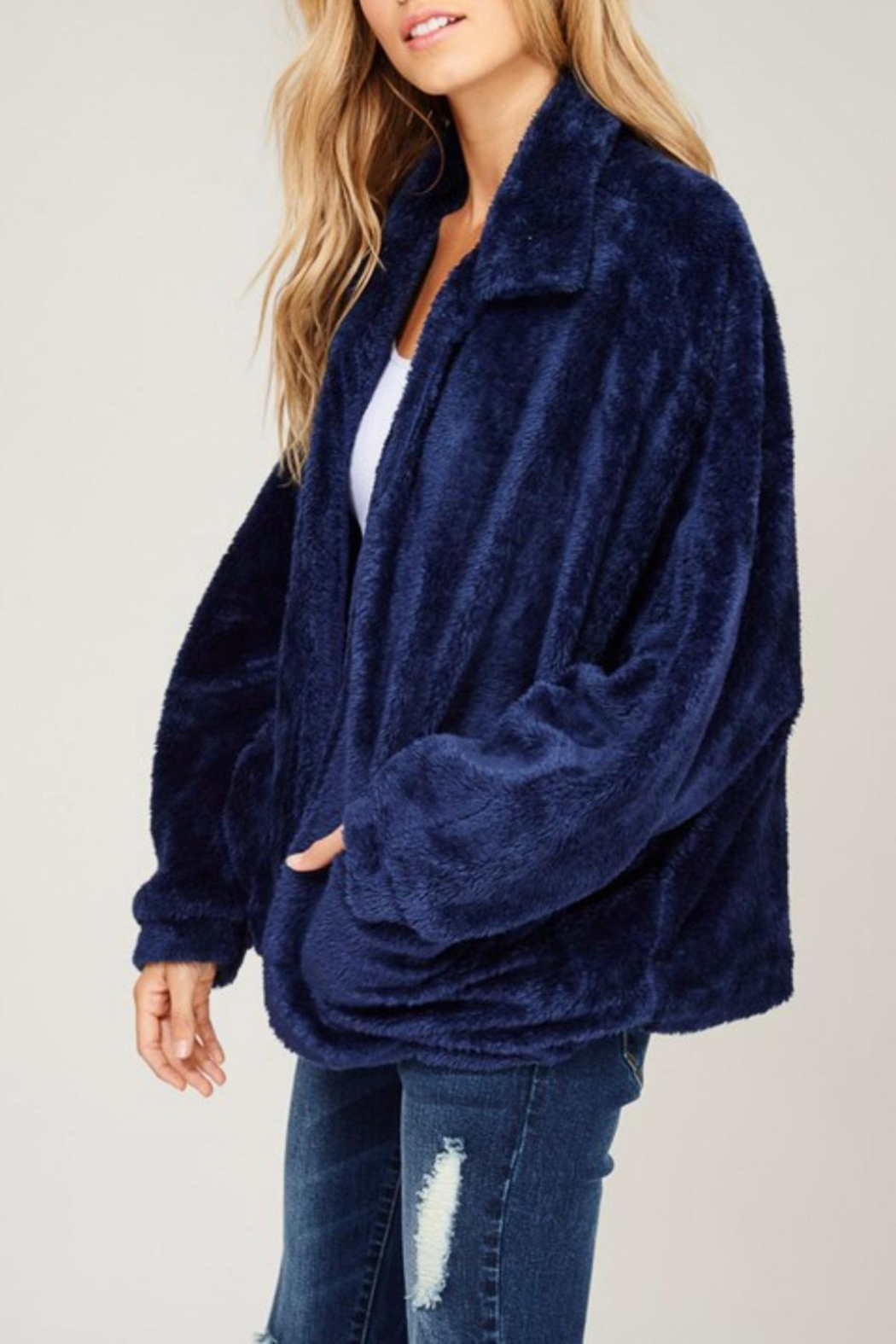 Listicle Navy Faux Fur - Side Cropped Image