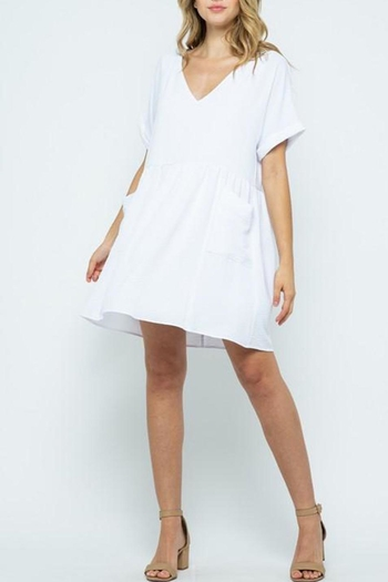 Listicle White Tunic-Dress With-Pockets from Virginia by mod&soul — Shoptiques