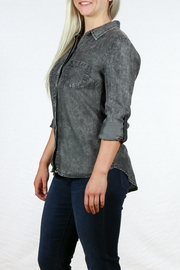 Liverpool Jeans Company Tencel Double Pocket Shirt - Back cropped