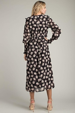 LLove USA Kayla Floral Midi In Black - Alternate List Image
