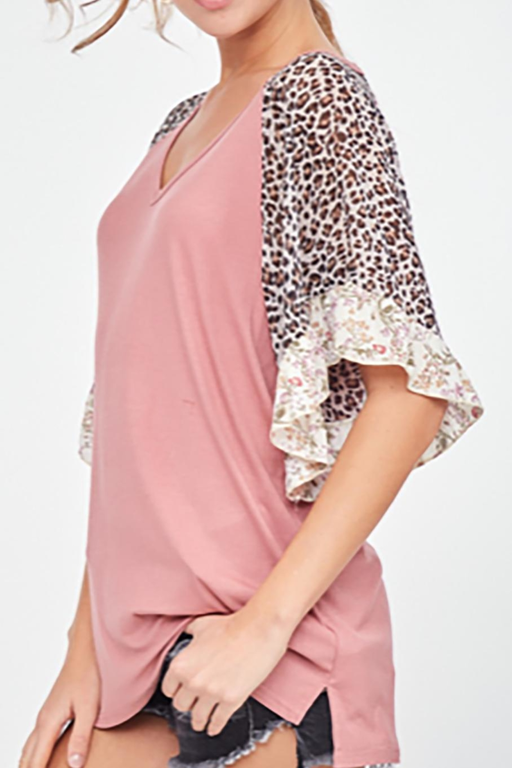LLove USA Mauve Leopard Sleeve - Side Cropped Image