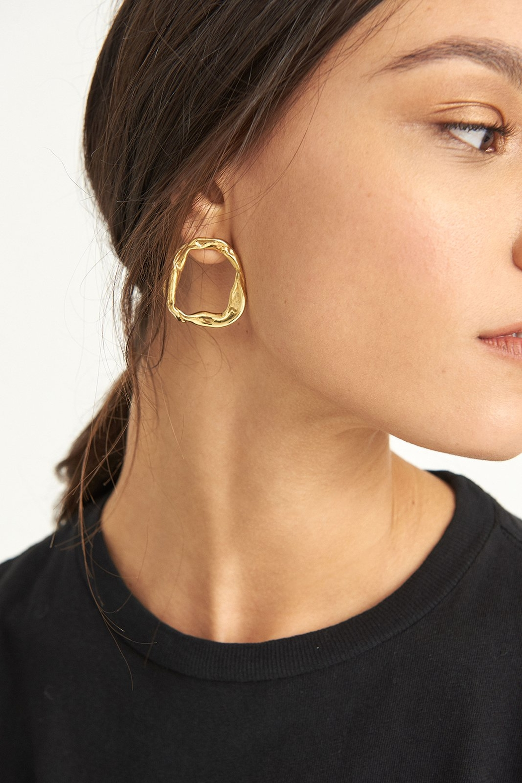 LLY ATELIER Golden Hoop Earrings - Main Image