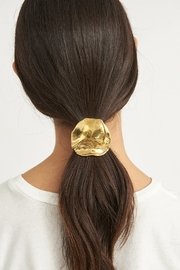 LLY ATELIER Molten Metal Hair Tie - Front cropped