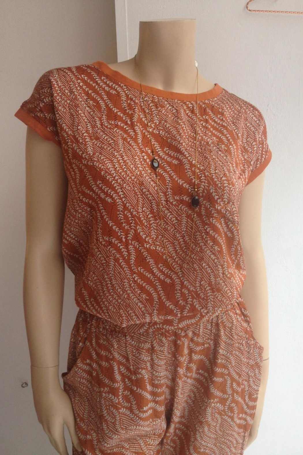 LOLLYS LAUNDRY Rust Colored Top - Side Cropped Image