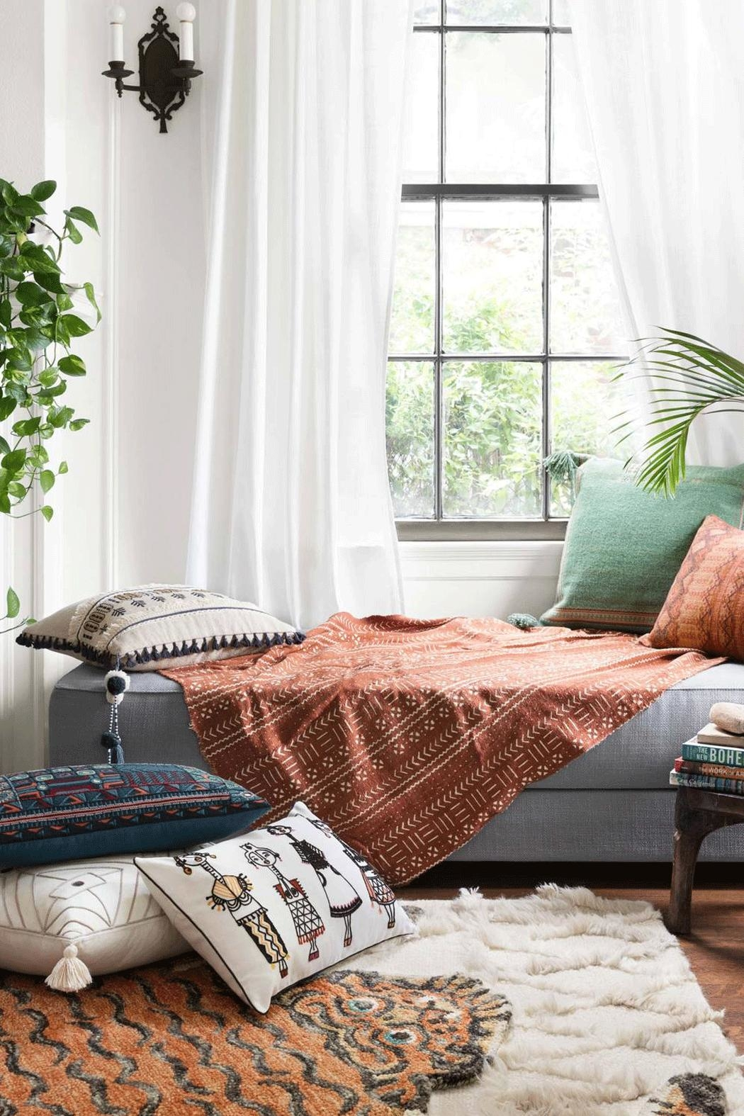 Loloi Green Tassel Pillow - Side Cropped Image