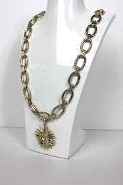 Kendra Scott Long Gold Necklace - Front cropped