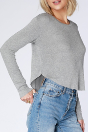 Bobi LONG SLEEVE CROP THERMAL TOP - Front full body