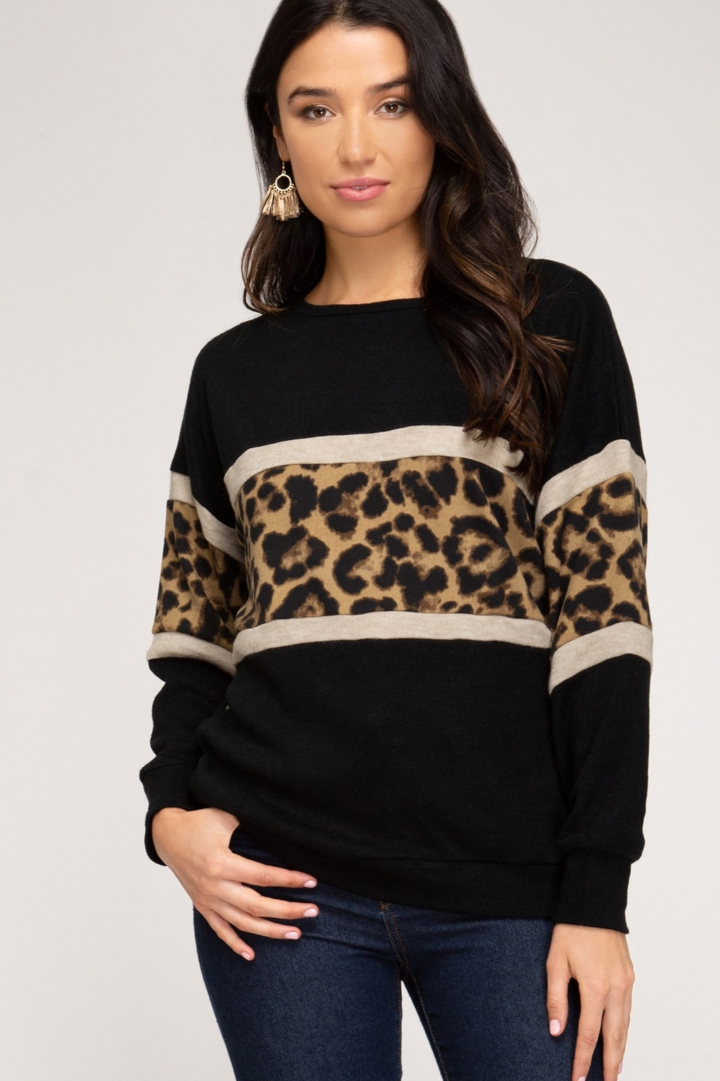 She and Sky LONG SLEEVE KNIT TOP WITH ANIMAL PRINT CONTRAST - Main Image