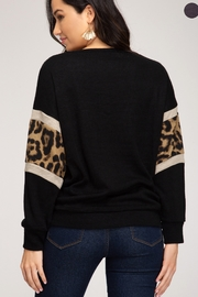 She and Sky LONG SLEEVE KNIT TOP WITH ANIMAL PRINT CONTRAST - Front full body